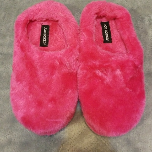 49598edc224 Joe Boxer Hot Pink Slippers. M 5bd871f5aaa5b8dcd828d7f0